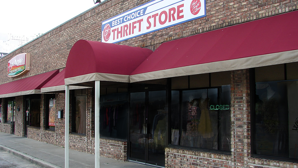 commercial awnings - Etheredge Awning and Iron Works - Decatur Alabama - commercial awning 3